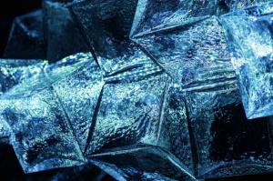 «Ледяной» напольный светильник от чешской компании Preciosa Lighting.